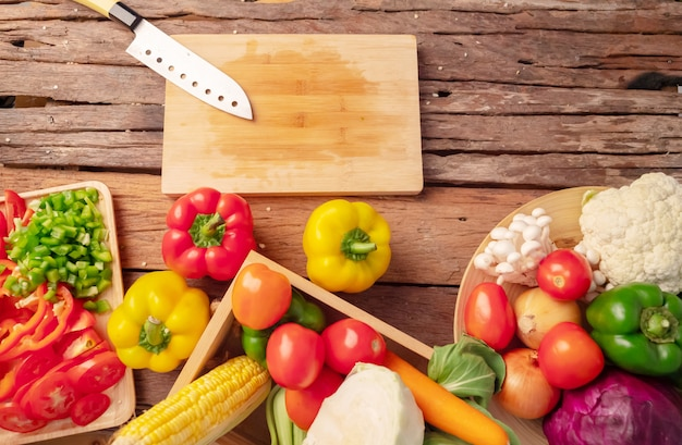 Cuchillo en la tabla de cortar