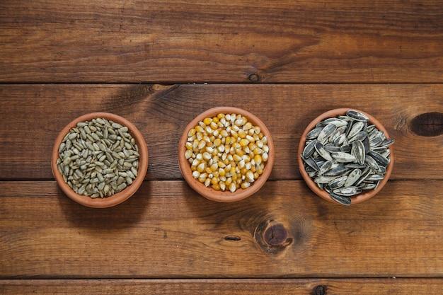 Cuencos con semillas