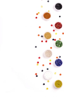Cuentas de colores para decoración navideña