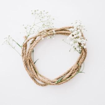 Cuerda circular con flores