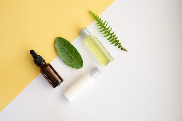 Cuidado cosmético de la naturaleza y aromaterapia con aceites esenciales.