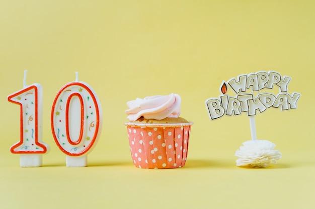 Cupcake de cumpleaños con topper