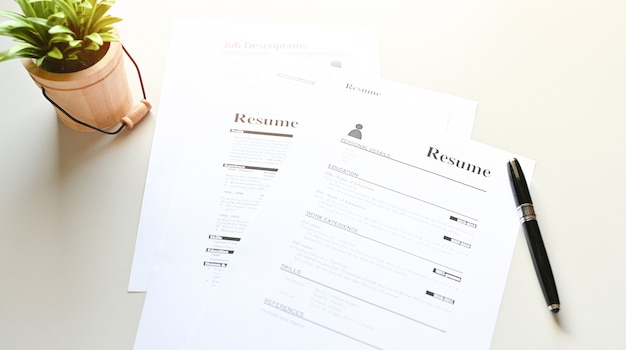 Curriculum vitae en la mesa de office business
