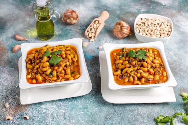 Curry de frijoles de ojos negros, cocina india.