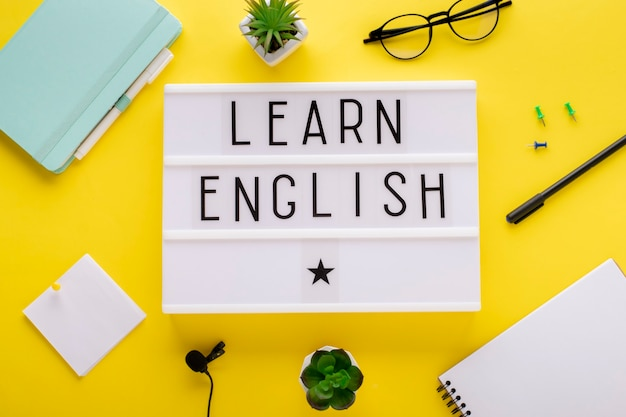 Cursos de inglés online. concepto de aprendizaje a distancia.