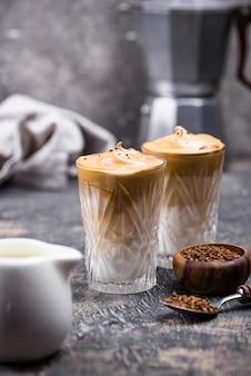 Dalgona batió café con leche