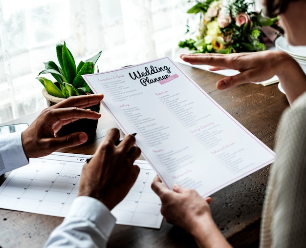 Decisión de pareja para planificador de bodas