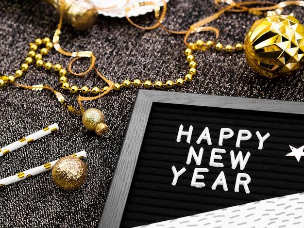 Decoración de alta vista de letras de año nuevo