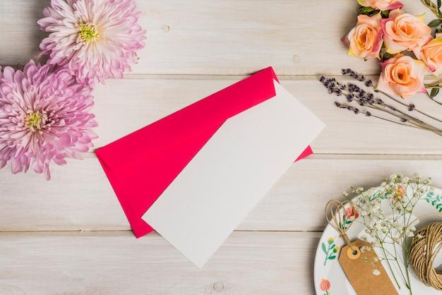 Decoración floral de postal