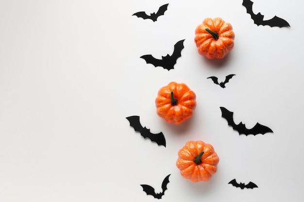 Decoración de halloween calabazas y murciélagos