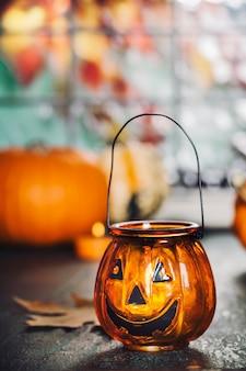Decoración de halloween cálido y cómodo concepto de otoño.