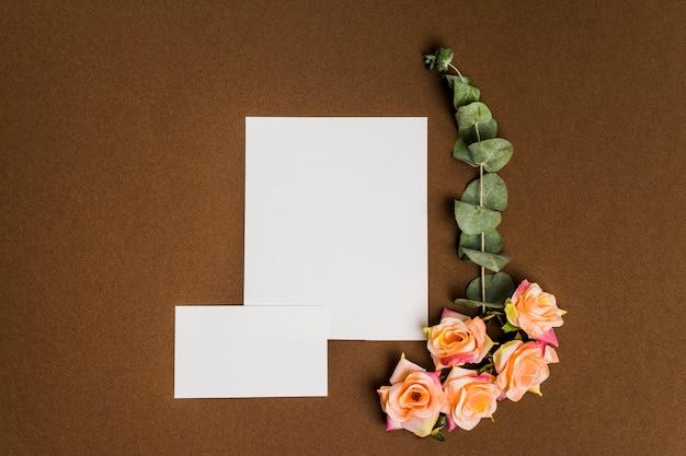 Decoración hermosa floral con hojas de papel