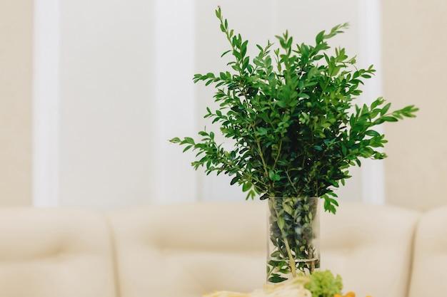 Decoración del hogar, flores y diseño interior floral.