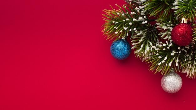 Decoración navideña con espacio de copia