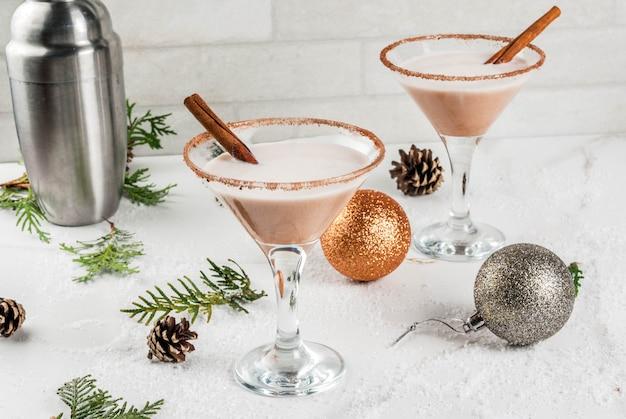 Decoración navideña rompope martini cocktail