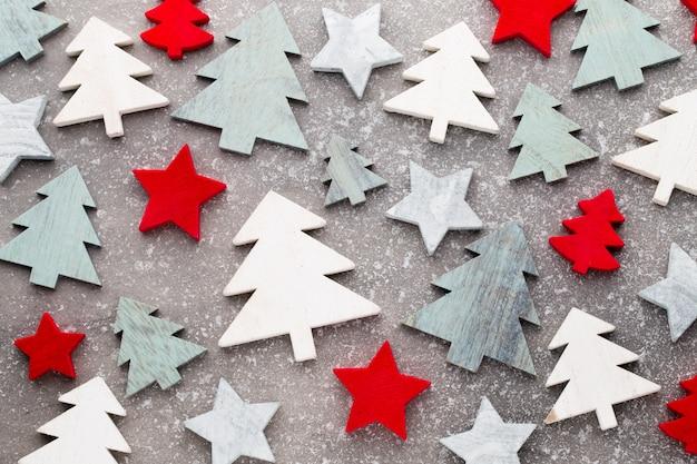 Decoración navideña sobre un fondo brillante
