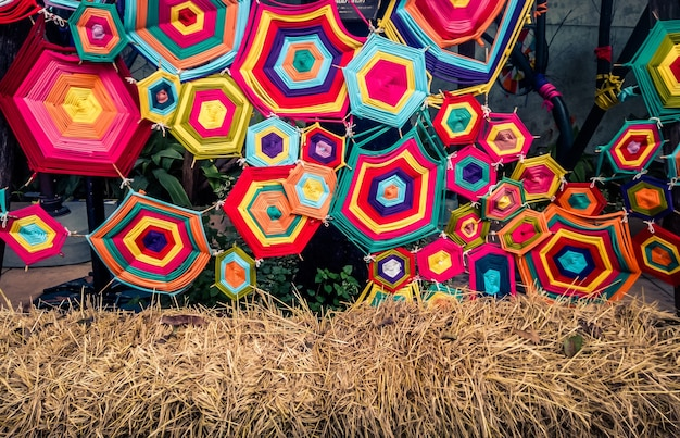 Decoración de pared colorida arte tribal