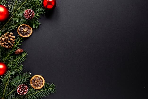Decoraciones navideñas con espacio de copia