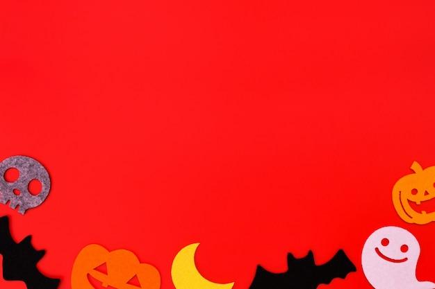Decoraciones navideñas de halloween en rojo