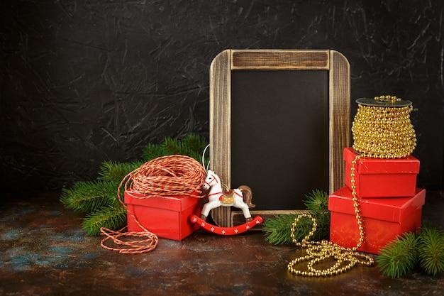 Decoraciones navideñas y regalos