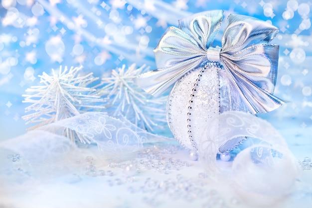 Decoraciones de plata de navidad