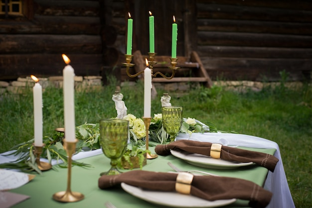 Decoraciones rústicas de mesa de boda.