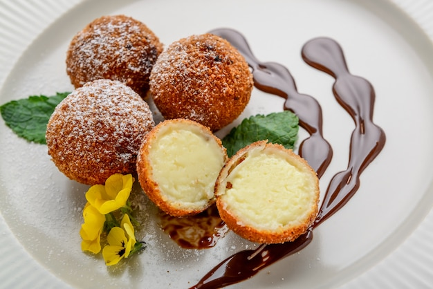 Deep fried milk, postre de leche
