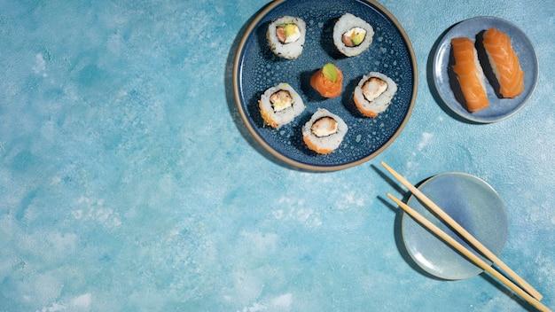 Deliciosa comida asiática con espacio de copia