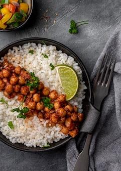 Deliciosa comida brasileña en plano