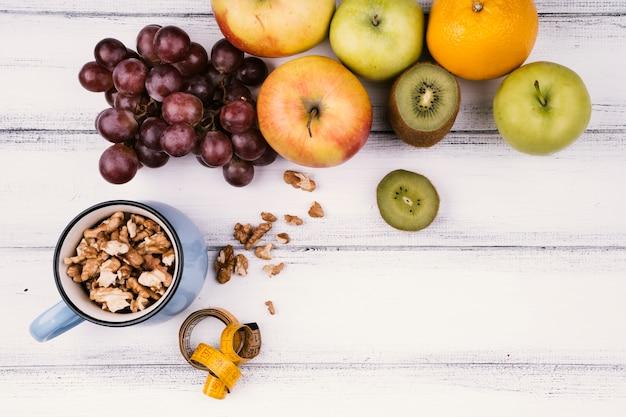 Deliciosa fruta con espacio de copia