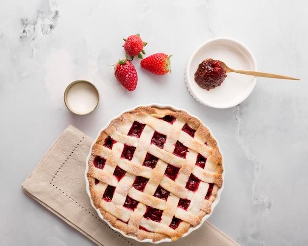 Deliciosa tarta y mermelada de fresa