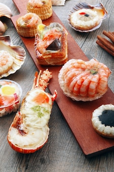 Deliciosas especialidades frescas de mariscos.
