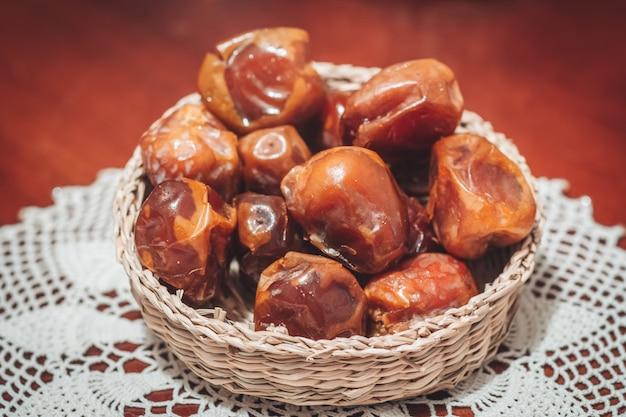 Deliciosas fechas frescas y dulces de sukkari