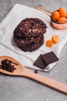 Deliciosas galletas con cobertura de chocolate