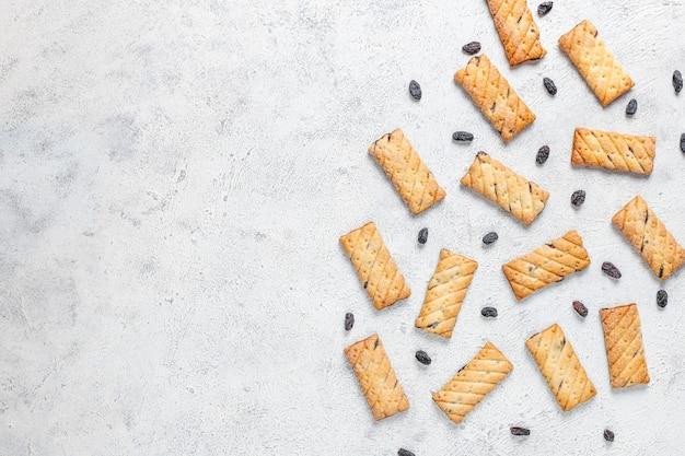 Deliciosas galletas con pasas, vista superior