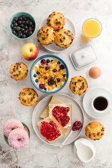 Delicioso desayuno para los buenos días