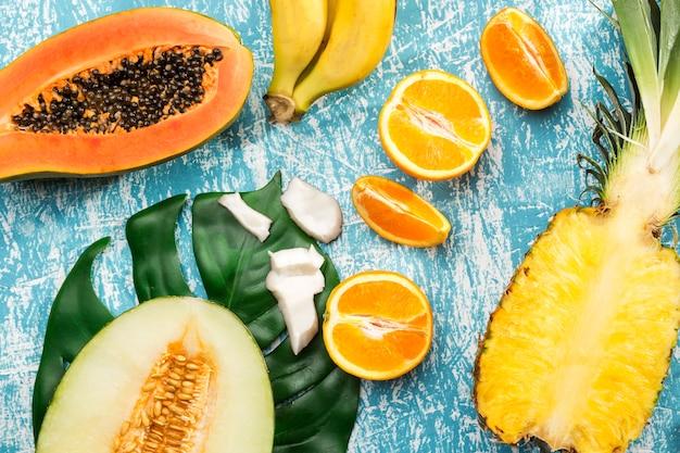 Delicioso diseño de frutas exóticas frescas