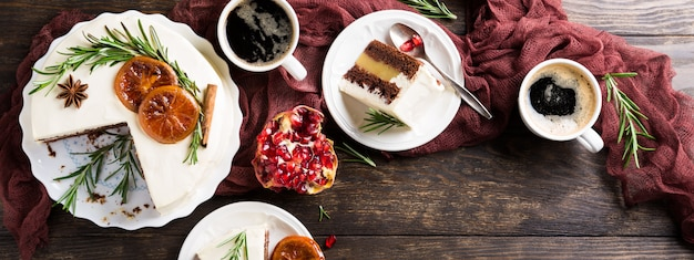 Delicioso pastel de chocolate navideño