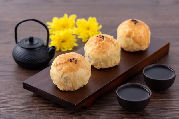 Delicioso pastel de yema para el festival del medio otoño