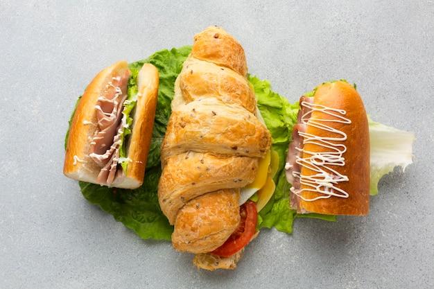 Delicioso sandwich con tocino