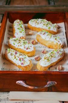 Deliciosos canutillos de pistacho
