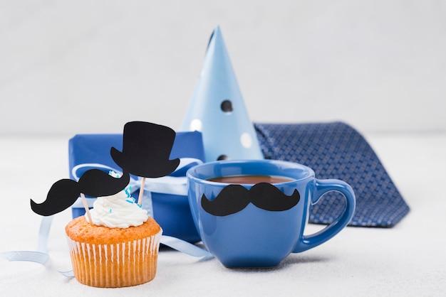 Deliciosos cupcakes para el arreglo del día del padre