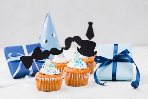 Deliciosos cupcakes para la decoración de fiesta del día del padre