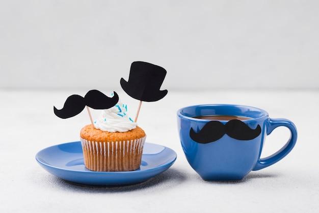 Deliciosos cupcakes para la vista frontal del día del padre