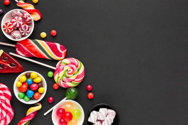 Deliciosos dulces con espacio de copia