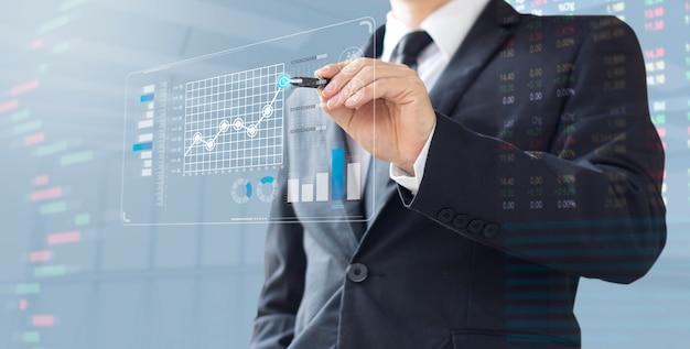Demostración de hombre de negocios aumentar la inversión de cuota de mercado