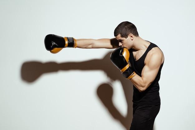 Deportista boxeador luchando. concepto de deporte.