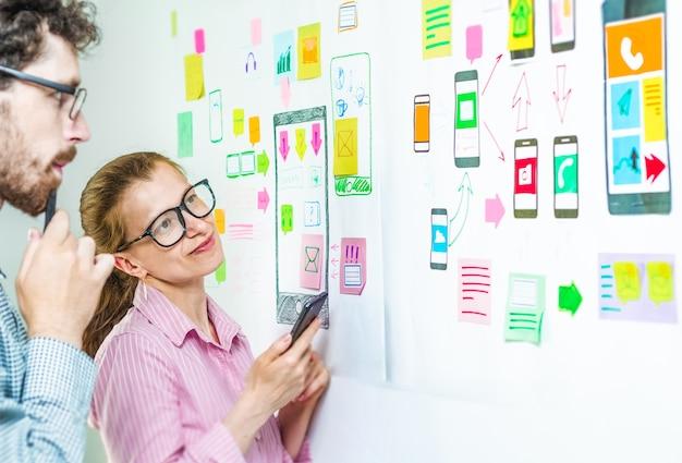Desarrolladores de aplicaciones de diseño de teléfonos móviles.