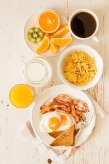 Desayuno americano tradicional