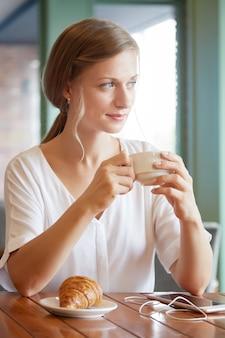 Desayuno en cafe